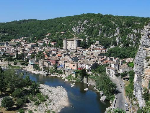 village de VOGÜÉ