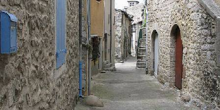 Gite Vos Vacances à Vogüé Ardèche > rue de la chareyre