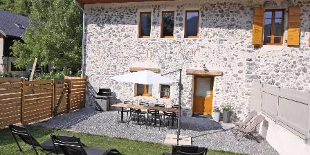 Côté Montagnes Côté Montagnes : Jardin clos avec barbecue et transats