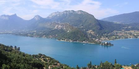 Côté Montagnes Entre Lac et Montagnes : Le lac d'Annecy