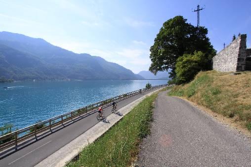 Entre Lac et Montagnes : La voie verte du lac d'Annecy
