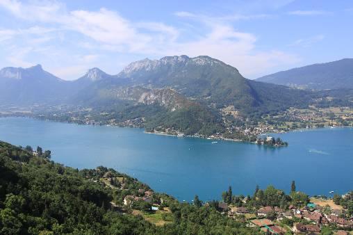 Entre Lac et Montagnes : Le lac d'Annecy