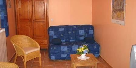 Gîte Syrah Vogüé Ardèche Salon avec canapé, télé