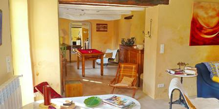 La Maison de Mayaric Petit salon avec billard à bouchons