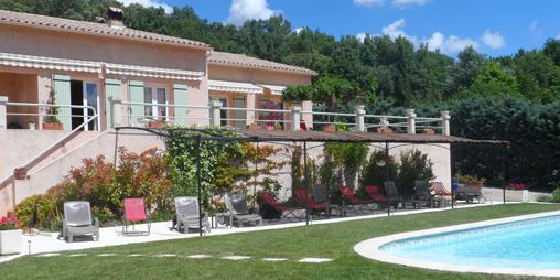 Chambre d'hote Alpes de Haute Provence - espace piscine