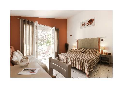 Chambre d'hote Alpes de Haute Provence - chambre coquelicot
