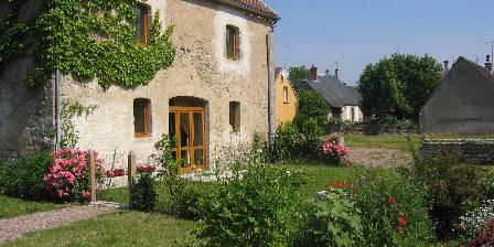 Gite La Sellerie > façade d'entrée