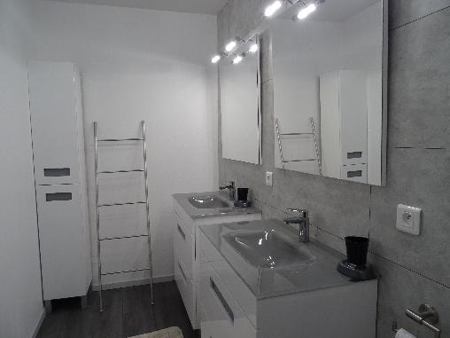 salle d' eau avec douche