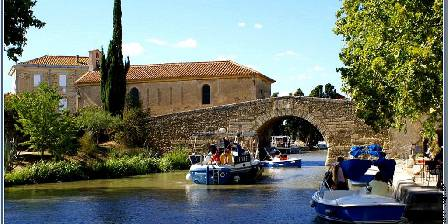 Maison Matisse Le somail (3km) : picturesque hamlet, stop for barges.