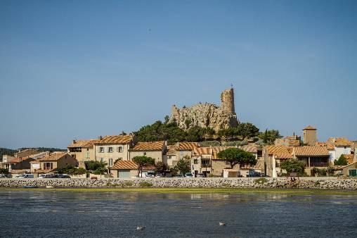 Gruissan (30km) : un des plus beaux villages de France