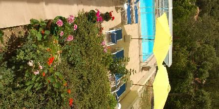Le Clos des Chênes Vus sur piscine