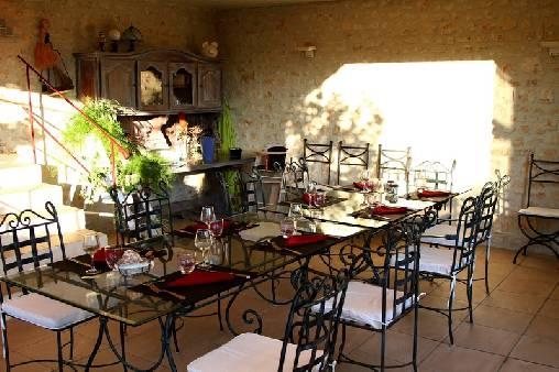 Chambre d'hote Vaucluse - salle a manger d'été