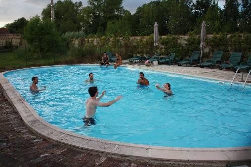 bed & breakfast Aube - swimming pool
