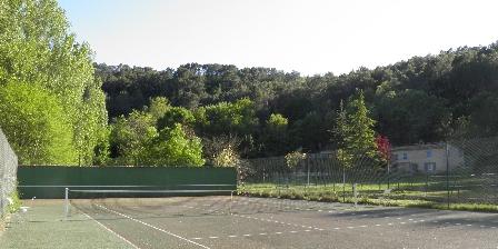 Gite Domaine La Provenç'âne > court de tennis