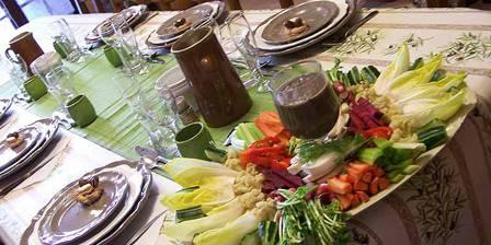 Chambres D'hotes Domaine de La Garrigue Table d'hôtes aux saveur du terroir de la Provence