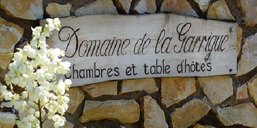 Tout naturellement, les chambres d'hôtes Domaine de la Garrigue