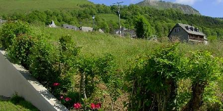 Gîte des Moulins Vue sur le Col de Lear et le Pic du Ladya