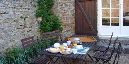 Gite Tourenne > Tourenne, Chambres d`Hôtes Couches (71)