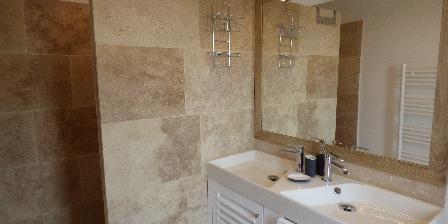 Le Hameau Salle de bains