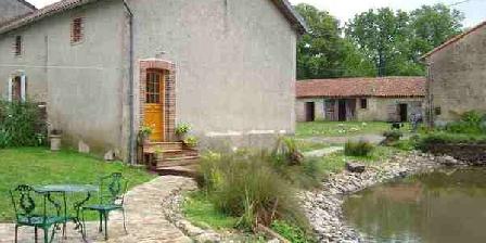 Chez Tartaud Chez Tartaud, Chambres d`Hôtes Lathus-St-Rémy (86)