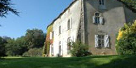 Domaine de Brassac  Domaine de Brassac chambres d'hôtes, Chambres d`Hôtes Suaux (16)
