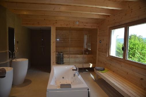 chalet 150m2 salle de  bain bien être, sauna balneo
