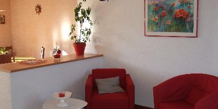 Gite L'Angevinière > Salon et cuisine ouverte