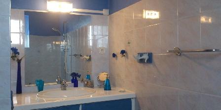 L'Angevinière Salle de bain Gîte les Coquelicots