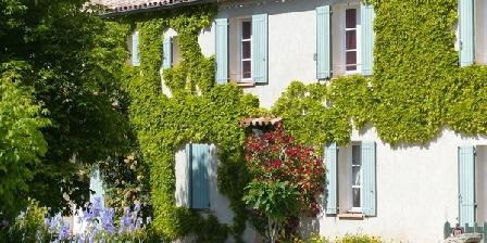 La Ferme du Petit Ségriès La Ferme du Petit Ségriès, Chambres d`Hôtes Moustiers Sainte Marie (04)