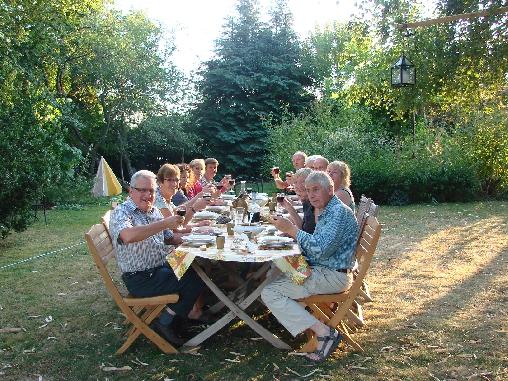 table d'hôte au jardin