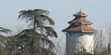 Maison du Pays de Serres Pigeonnier à Lacépède