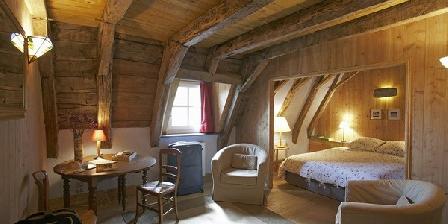 La Roussière La Roussière - Maison d'hôtes -Guesthouse, Chambres d`Hôtes St-Clément (15)