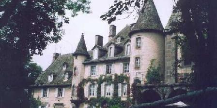 Château de Courbelimagne Château de Courbelimagne, Chambres d`Hôtes Raulhac (15)