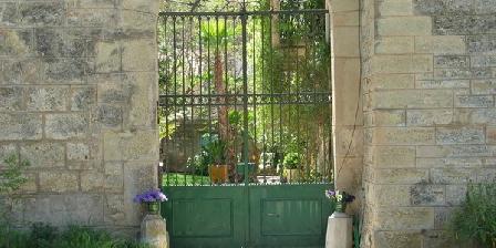 Chambre d'hotes Domaine de Launac-Le-Vieux > Commanderie Templière du Domaine de Launac-Le-Vieux, Chambres d`Hôtes Fabrègues (34)