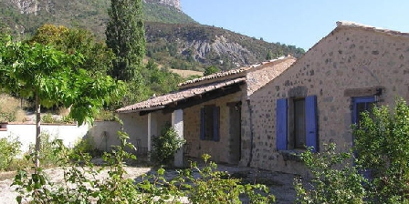 Les Bayles Les Bayles, Chambres d`Hôtes Chalancon (26)