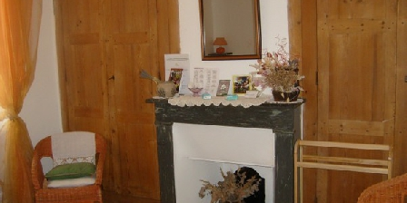 Les Quatr' Farceurs Les Quatr' Farceurs, Chambres d`Hôtes Olargues (34)