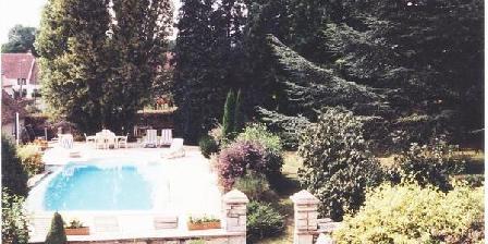 A la Thuilerie des Fontaines A la Thuilerie des Fontaines, Chambres d`Hôtes Chatenois (39)