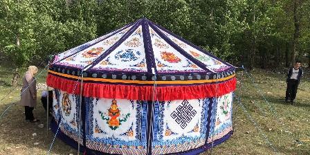 Chambre d'hotes La Garnasette > tente tibétaine nomade