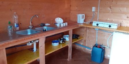Chambre d'hotes La Garnasette > petite cuisine d'été