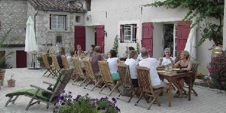 Au Cercle des Chênes Au Cercle des Chênes, Chambres d`Hôtes Auradou (47)