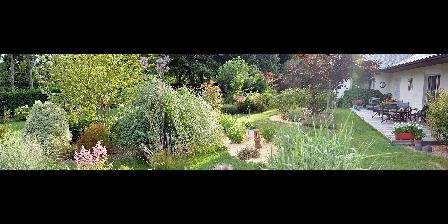 Chambre d'hotes Les Pérelles > le jardin