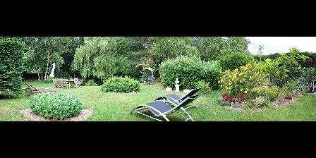 Chambre d'hotes Les Pérelles > le jardin des Pérelles