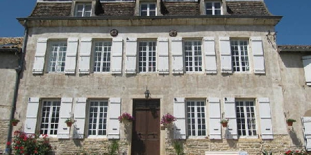 La Montagne  La Montagne Chambres D'Hôtes & Gîtes, Chambres d`Hôtes Tournus (71)