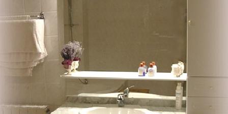 Bed and breakfast La Table du Bonheur > Bathroom `Olive`