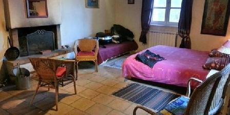 Mas des Nabières Mas des Nabières, Chambres d`Hôtes Saint-Martial (30)