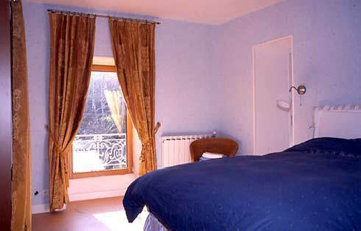 Chambre d'hote Aveyron - Un des quatre chambres au deuxième étage du château
