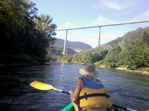 Canoë sur le Tarn et sous le viaduc de Millau