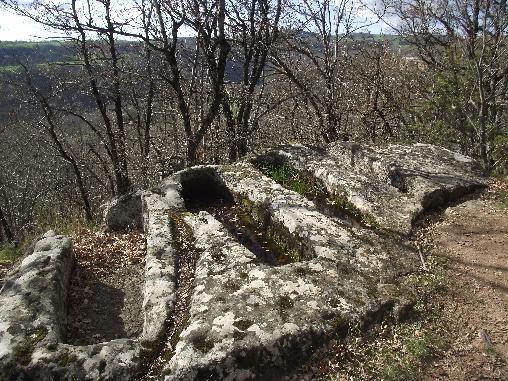 Sarcophages à Montjaux