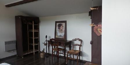 Au Vieux Cypres Au Vieux Cypres, Chambres d`Hôtes Laverune (34)