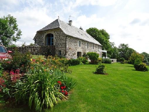 Chambre d'hote Cantal - La Grange Lacappelle, Chambres d`Hôtes Lacapelle Barrès (15)